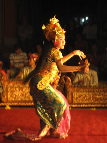 Ubud palace dancer